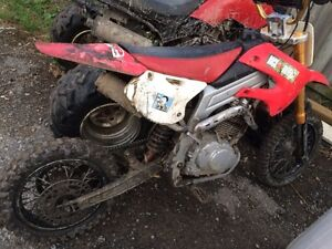Selling 2 dirtbikes one works great other need a little work