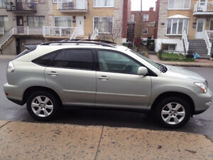 2004 Lexus RX330 SUV, Automatic SunRoof, Leather Interior, Mags