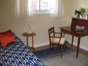 HOUSE/ ROOMS to rent near QUEEN'S- quiet area Kingston Kingston Area image 5