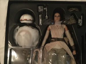 Sideshow Collectibles Hot Toys Rey & BB-8 for sale