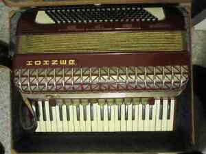 Hohner Atlantic lV Deluxe Accordion Red