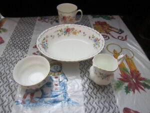 Royal Albert JUBILEE ROSE china