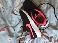 Girls Nike trainers size 4 (adult)