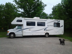 2004 Four Winds motor home