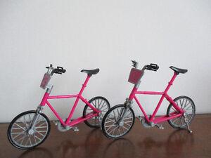2  Vélos  De  Barbie  $4Chaque