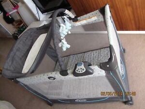 Graco Pack 'N Playard with Changer