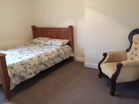 King size bedroom. Old town bexhill. Available NOW!
