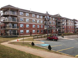 Coburg Suites 2 Bedroom #105 Avail Feb 1st w/ UNDERGROUND PARK'G