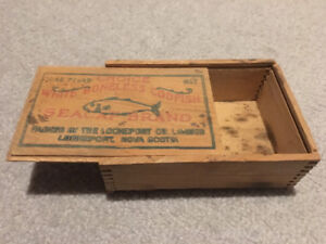 VINTAGE ANTIQUE EARLY WOOD CODFISH BOX from NOVA SCOTIA Rare Old