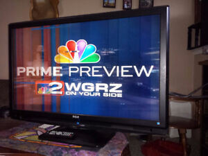 42''RCA lcd TV /GOOD PIC/GOOD COND./REMOTE/ ANTENNA