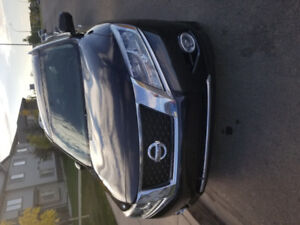 2013 Nissan Pathfinder platinum with warranty