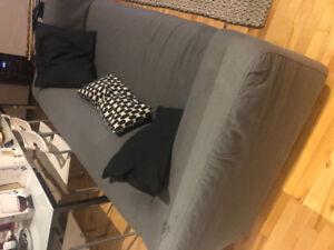 Divan/sofa/loveseat IKEA KLIPPAN 200$ au lieu de 400$+tx neuf