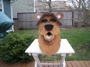 HANDCRAFTED WOODEN BIRDHOUSE – BEAR DESIGN