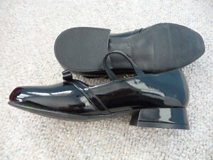 Various Brand New Girl's Dress Shoes - Size 1 or 2 Kitchener / Waterloo Kitchener Area image 3