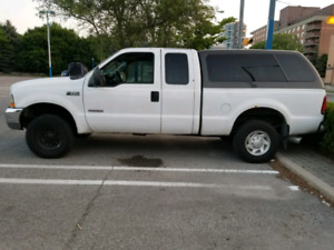 2004 Ford f250 diesel with cap