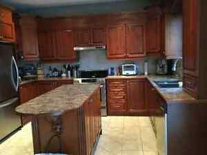 An entire beautiful mahogany kitchen for sale! Make an offer