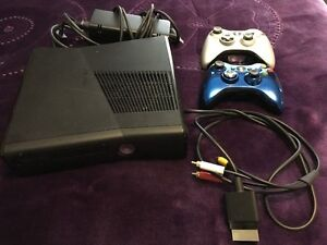 xBOX 360 with Controller, Minecraft, FIFA14, NBA2K15, Madden15