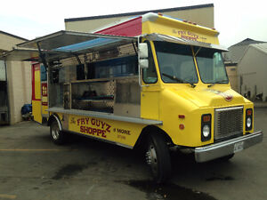1995 GMC P30 Food Truck TSSA Approved READY TO GO !!