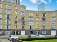 1 bedroom flat in Westferry Road, Docklands E14