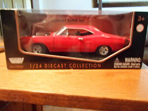 1:24 SCALE DIE-CAST 1969 DODGE CORONET SUPER BEE SIX PACK RED
