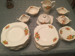 Porcelaine 40  pieces Alfred Meakin