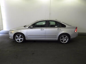 2008 Volvo S40 cuir 2.4 i front wheel drive.Reduced!!!!!!!!