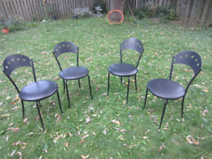 4 KITCHEN / KIDS CHAIRS