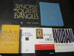 Livres religieux sur l'Église et la Bible