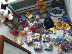 Lot de jouets (idéal pour garderie)