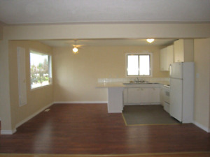 3 BD M Floor, Incl ALL Util Laundry Wi Fi Net & Window Blinds.
