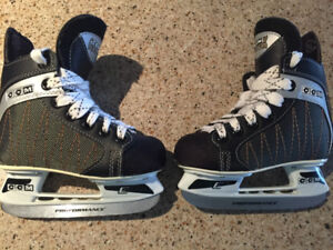 Boys CCM hockey skates size 9Y