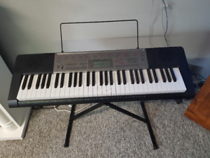 Casio LR-165 Electronic Keyboard & Stand
