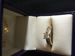 14 kt gold engagement ring