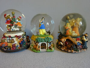 10 snow globes and musical boxes Cornwall Ontario image 2