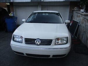 2007 Volkswagen Jetta white Sedan