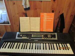 YAMAH KEYBOARD NEW CONDITION YPP210 FOR SALE