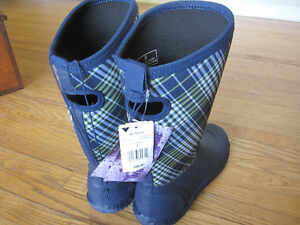 Brand New RUBBER BOOTS - WOMEN'S size 8 Peterborough Peterborough Area image 2