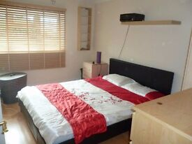 **LIVE WELL IN OUR ROOMS AROUND LONDON! ALL INCLUDED! HURRY UP! BIG DEALS@