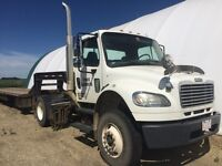 2006 Freightliner business class M2 single axle