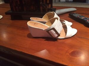 Easy Spirit White Leather Sandals for Sale