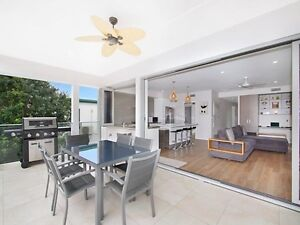 Room for rent in Mermaid Beach- singles $300 couple $400 Mermaid Beach Gold Coast City Preview