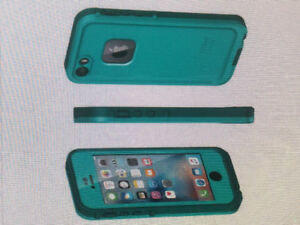 BNIB Lifeproof Frē case for iPhone 5/5s/SE