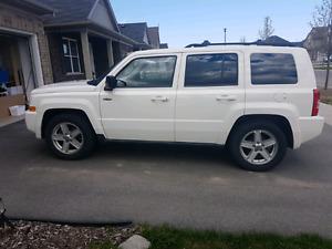 White 2010 jeep patriot north edition