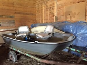 Bass Hound 10ft boat with trolling motor, motor and gas tank