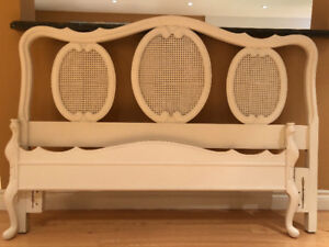 Queen size headboard, footboard and sideboards