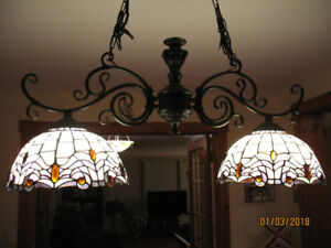 TIFFANY STAINED GLASS DOUBLE HANGING CEILING LIGHTS