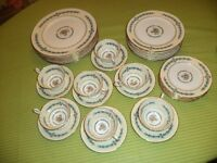 AYNSLEY CAMBRIDGE UNUSED 8 PIECE PLACE SETTING 7 CUPS SAUCERS
