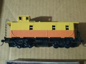 HO scale caboose for electric model trains