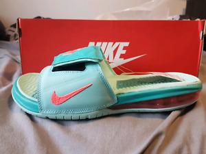 Nike Air max Lebron slide 4 size 12