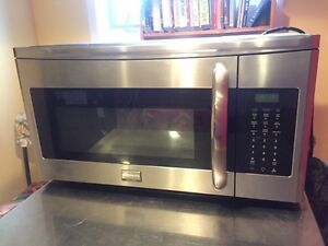 Frigidaire Range Hood Microwave Cook over Stove
